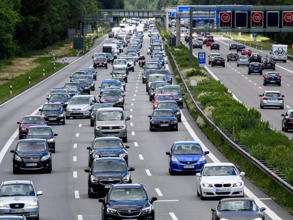 Verkehr A8 Stuttgart