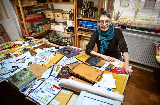 Marion Mosch dari Sielmingen dengan senang hati menanggapi proyek seninya di seluruh dunia.  Foto: Ines Rodel