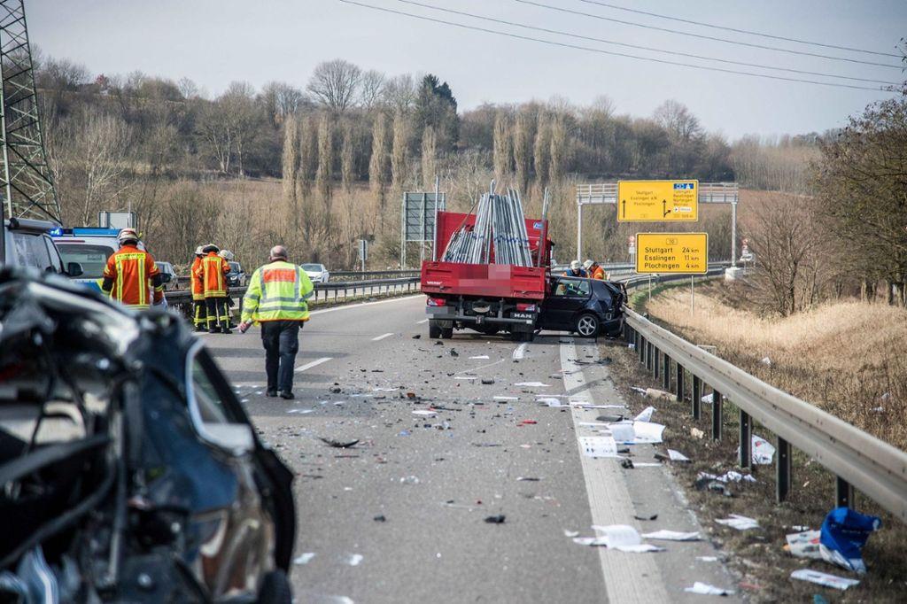 Unfall B10 Esslingen